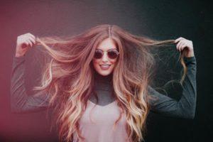 Jak zapobiec nadmiernemu wypadaniu włosów?