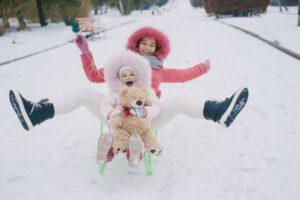 Jak wybrać obóz zimowy dla dziecka?