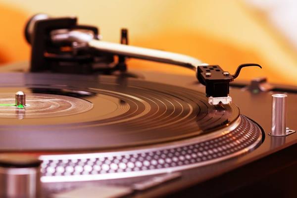 Gdzie najlepiej postawić gramofon?